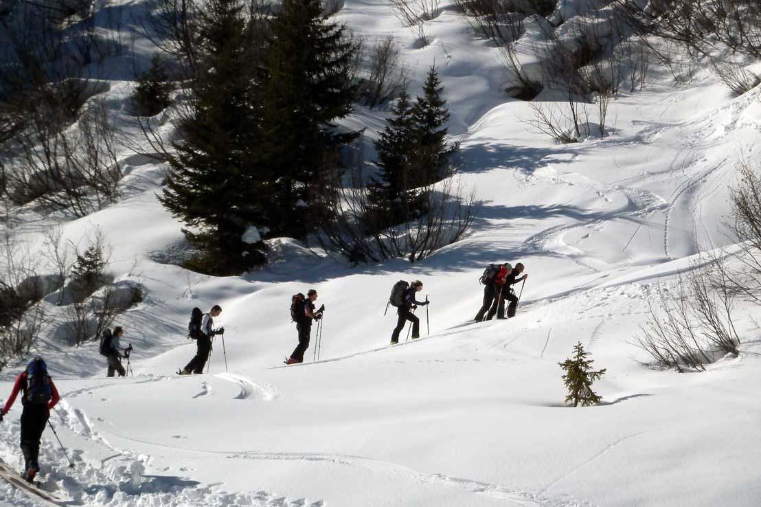 Conduite d'une randonnée à ski ou d'un trajet freerando